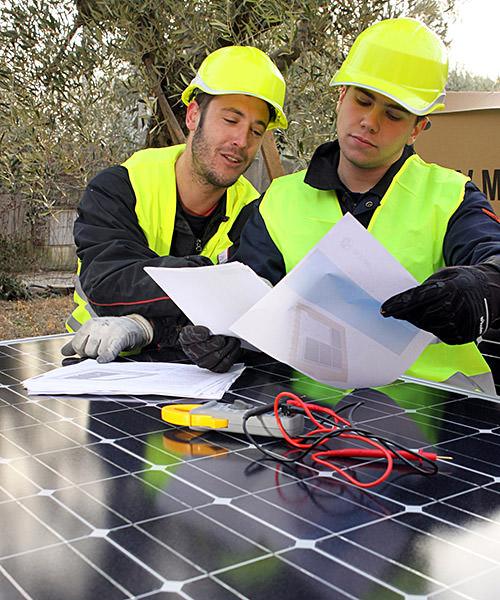 Electricien : pose d'une installation solaire photovoltaïque